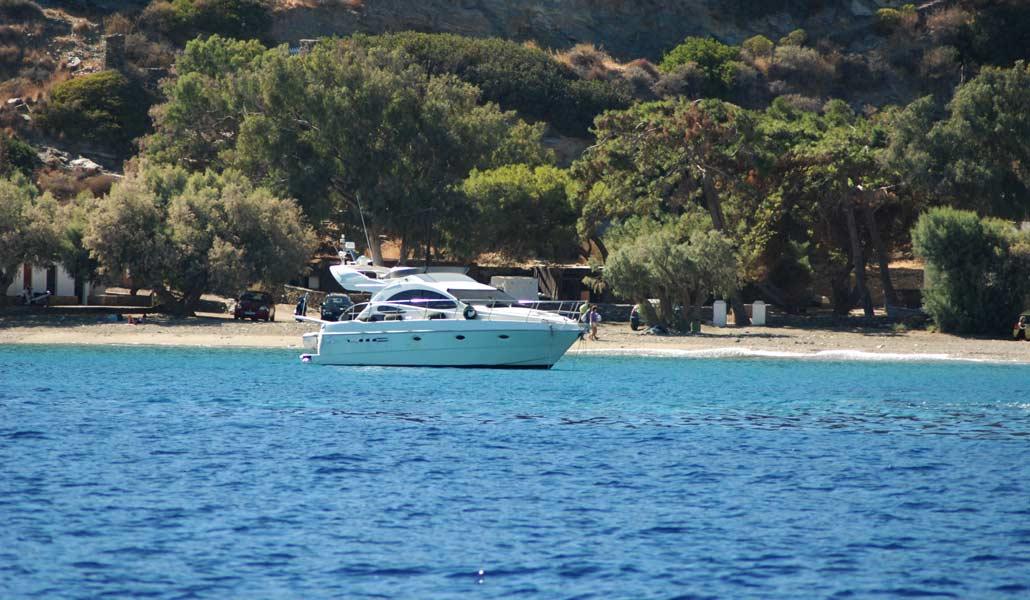 0300-Sifnos-Beach-Town-Faros